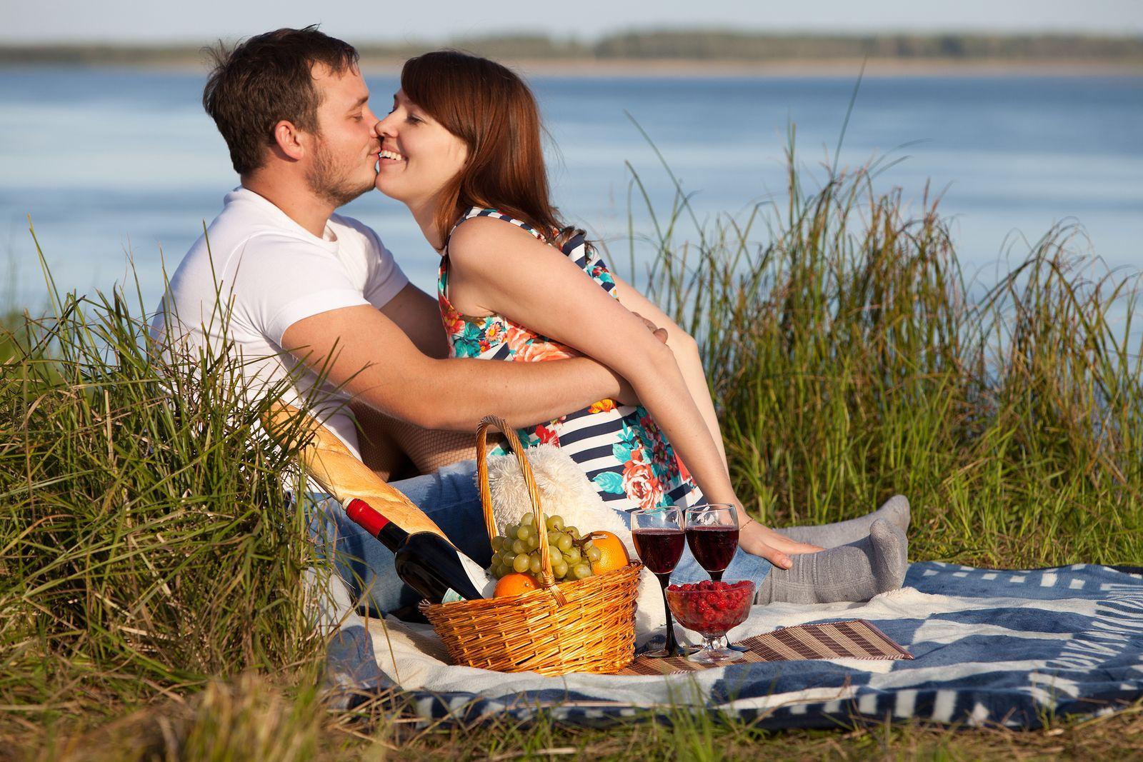 starší žena rande muž o 10 let mladší chodit s ním po dobu 2 měsíců
