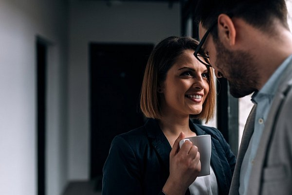 rozdíl mezi mluvením a vztahem persona 4 zlatý seznamka průvodce